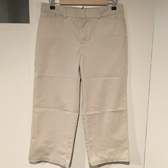Women Truly Slimming Trouuser Style Bermuda Shorts 10 Dockers 12 Blu//Wht